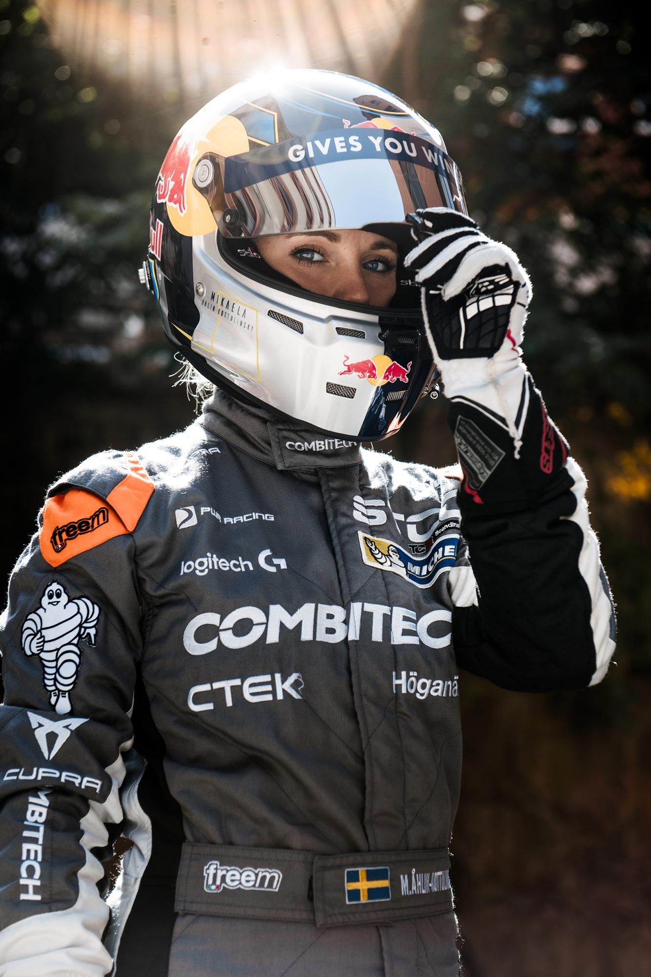 Red Bull – Mikaela Ahlin-Kottulinsky